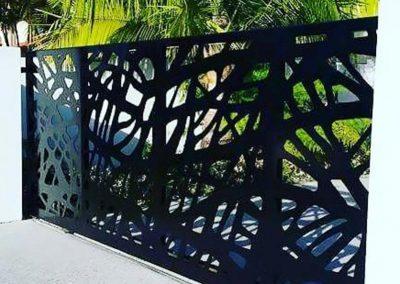 Sliding-Driveway-Gate---Branches-Design